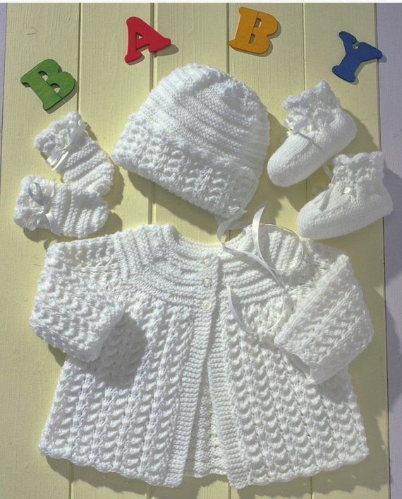Chest sizes 14 ins up to and including 20 ins. Premature baby sizes included.  Uses DK/Light worsted yarn Lovely vintage style set for baby girl or boy  Instant download following payment