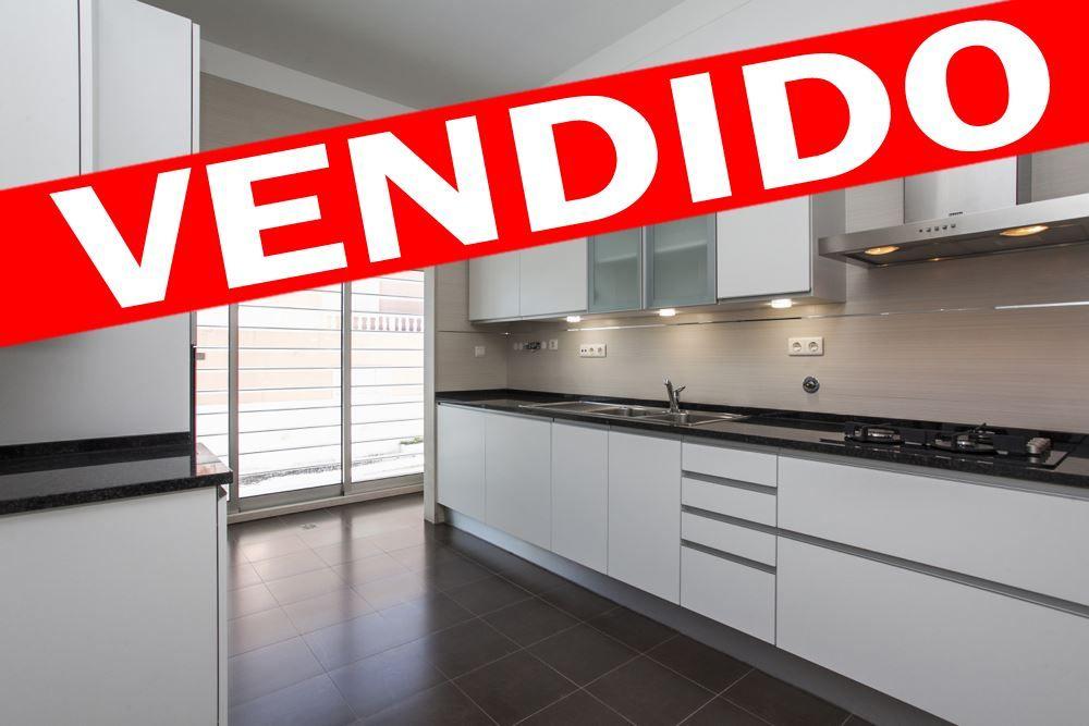 Apartamento - T2 - Venda - Algés, Linda-a-Velha e Cruz Quebrada-Dafundo, Oeiras - 120991095-420