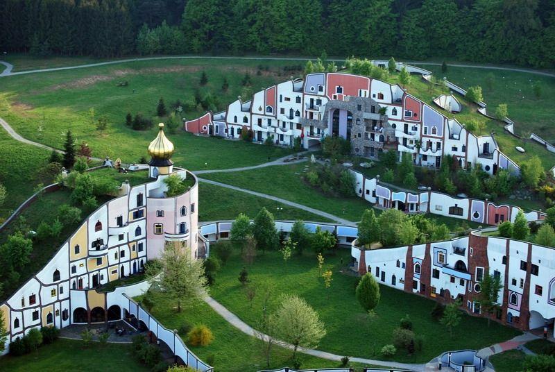 Architecture hundertwasser styria oostenrijk great for Architecture hundertwasser