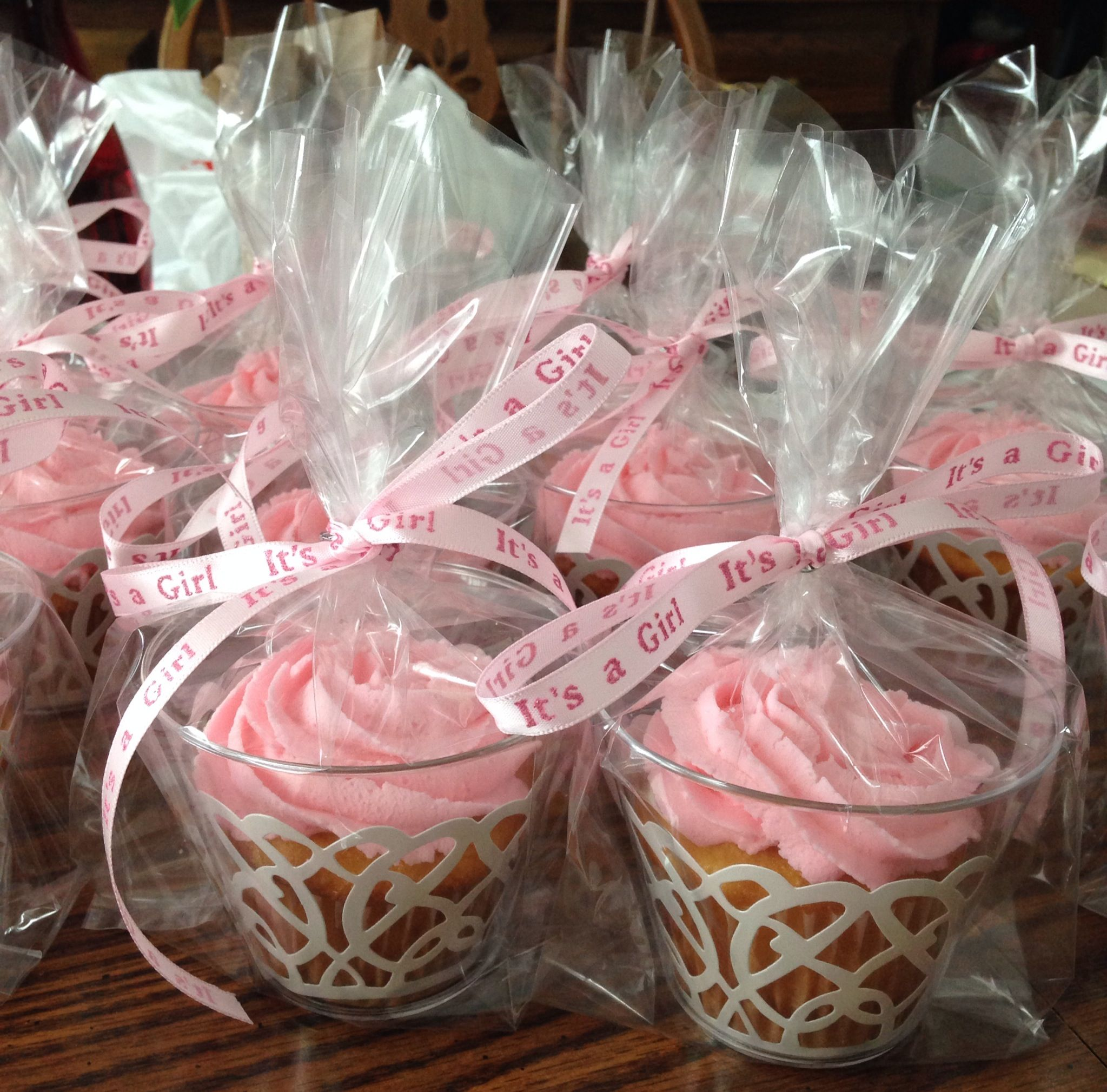 baby shower cupcake favors