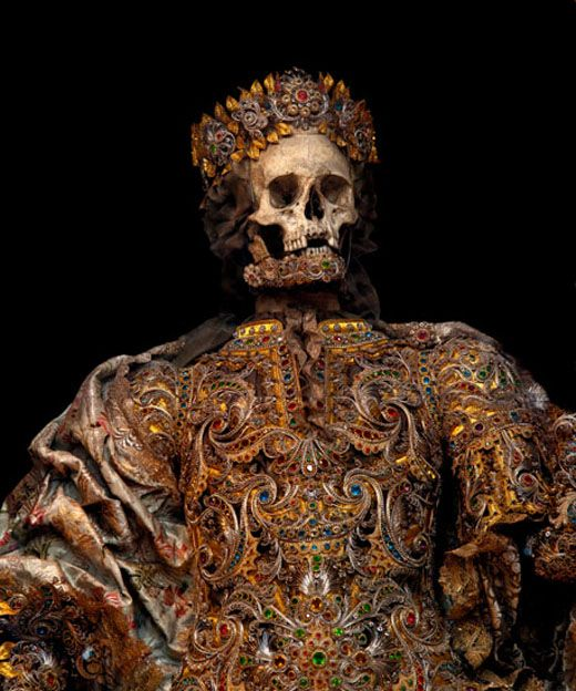 IMMORTAL    Photographer Toby De Silva   more    Taken from the catacombs of Rome in the 17th century, the relics of 12 martyred saints were then attired in the regalia of the period before being interred in a remote church oon the German/Czech border.