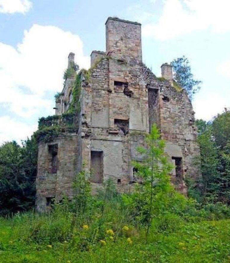 Cavers Castle, Denholm, Scottish Borders