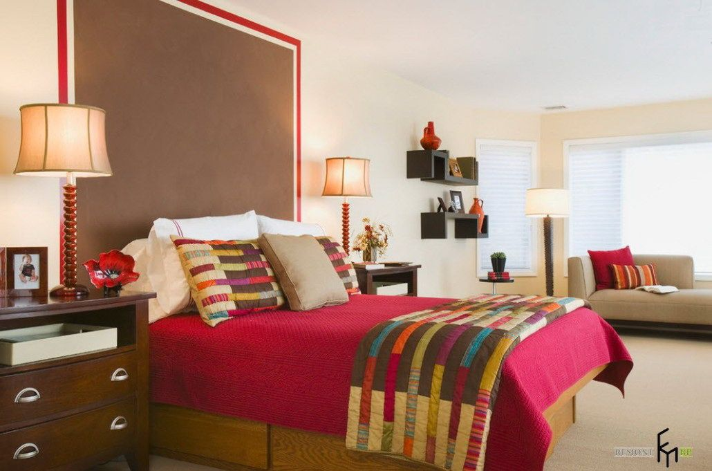A Charming Brown Headboard Idea With Hot Pink Bedding And ...