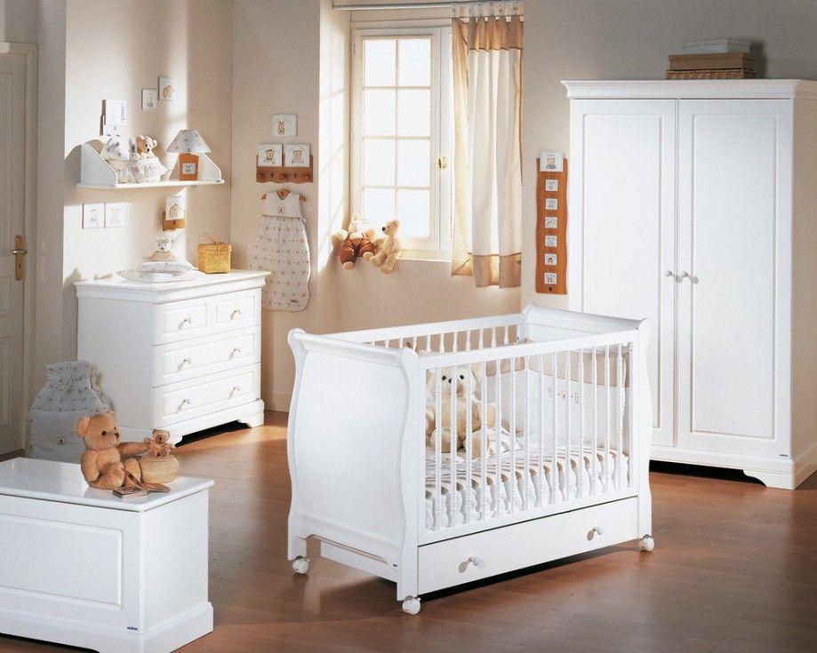 Chambre b b d co beaucoup de style dans cette chambre for Lit bebe dans la chambre des parents