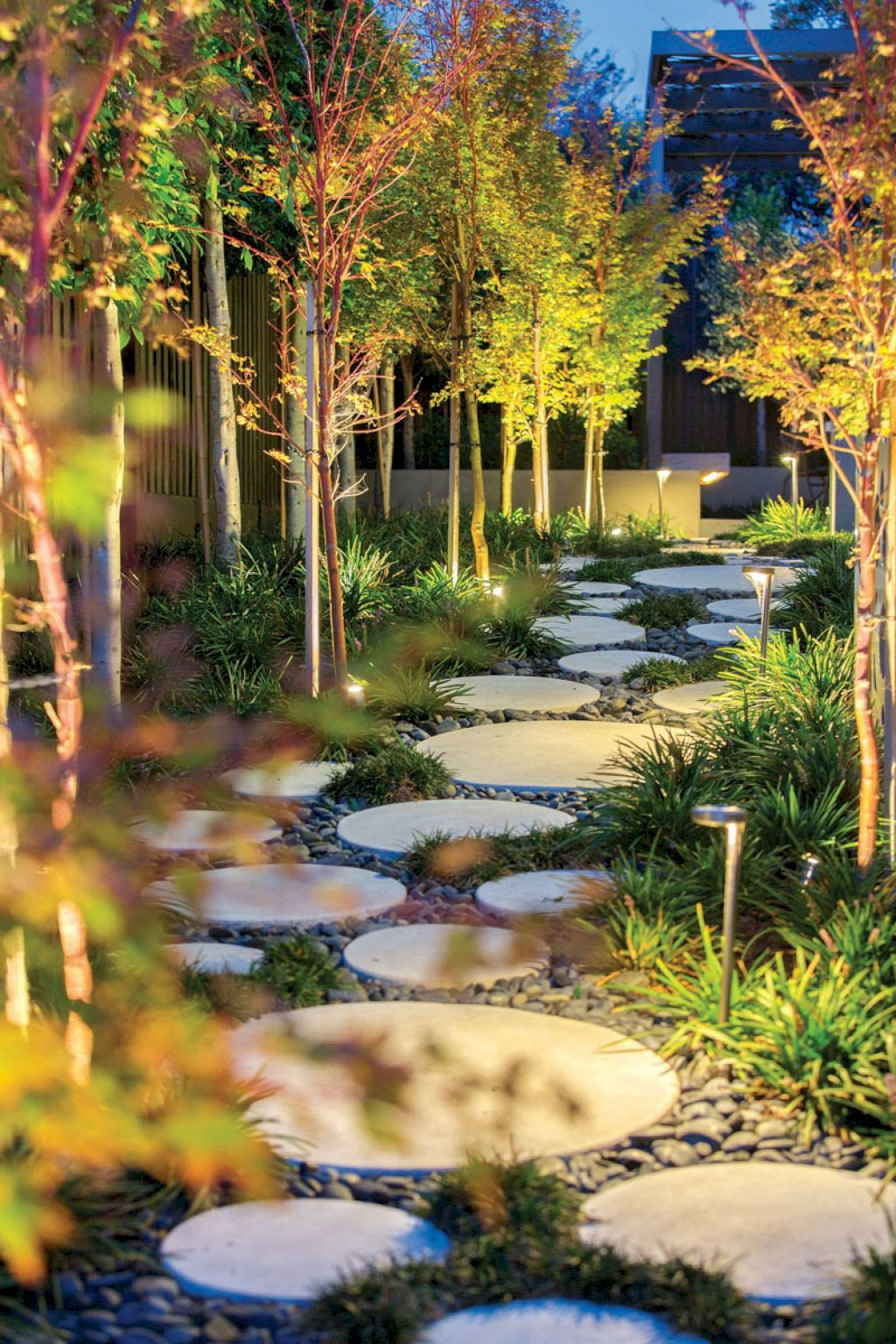 30 Awesome Stepping Stone Pathway Ideas #steppingstonespathway