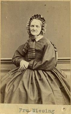 """Fru Wiesing"" (Mrs Wiesing), Swedish, 1860's. Bohusläns Museum, nr. UMFA53226:1776"
