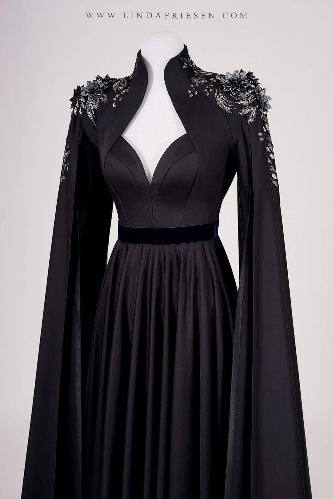 The Raven Queen Queen Dress Fantasy Dress Fantasy Gowns [ 1620 x 1080 Pixel ]