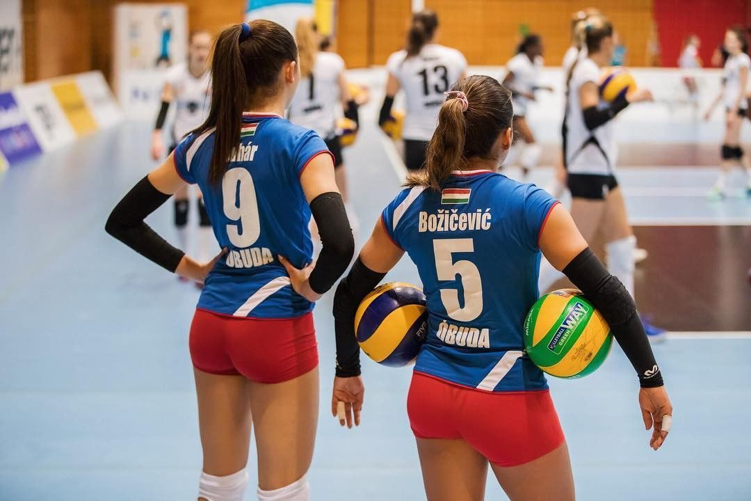 Pin By Lancenoyes On Spor In 2020 Women Volleyball Athletic Women Volleyball Players