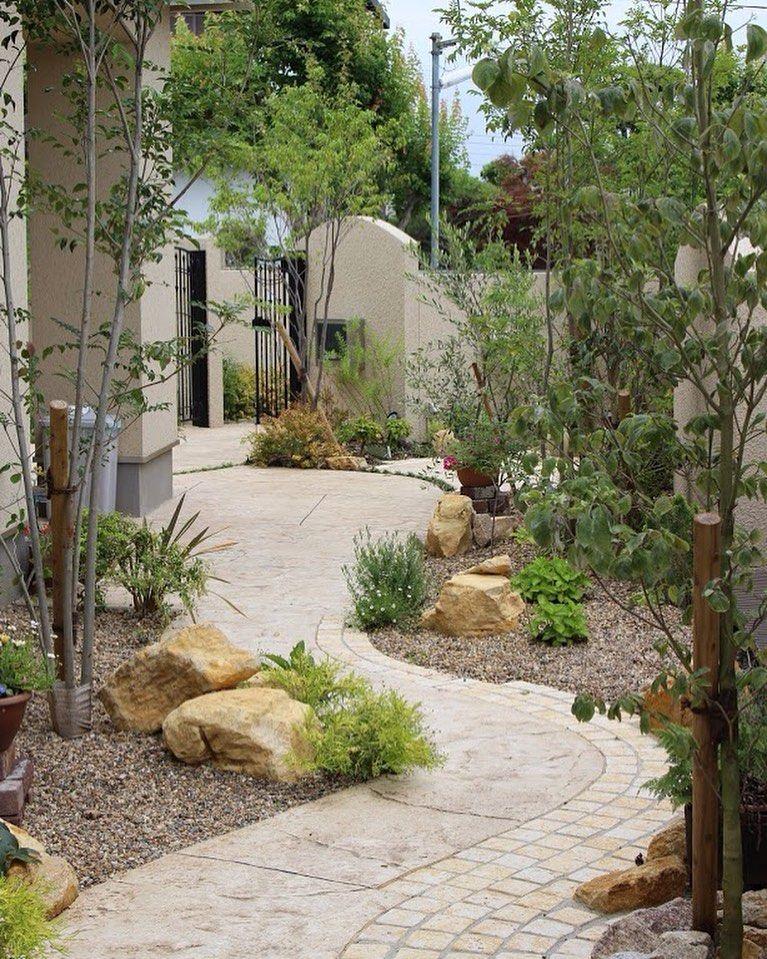 Ueshin Jp On Instagram お庭のポイントになる景石は 和風のもの