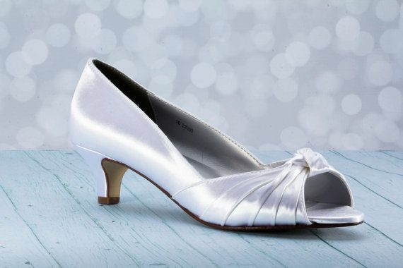 1 3 4 Inch Heel Wedding Shoes Choose From Over 100 Colors Custom Shoe Dyeable Wedding Shoes Wedding Shoes Heels Dyeable Wedding Shoes Ivory Bridal Shoes