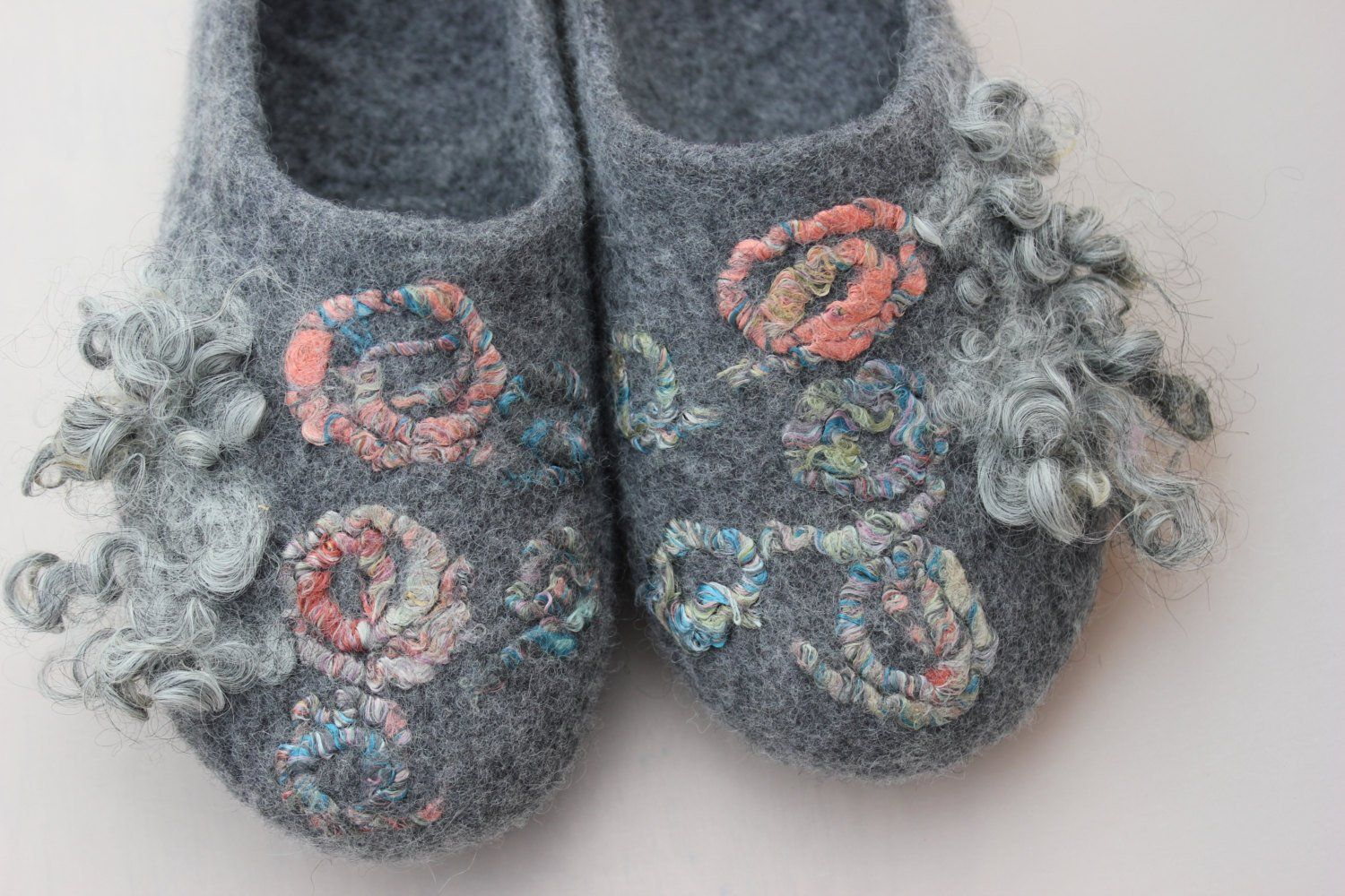29240e1cf6606 Pin by Green Forest Studio on wool felted slippers | Slippers ...