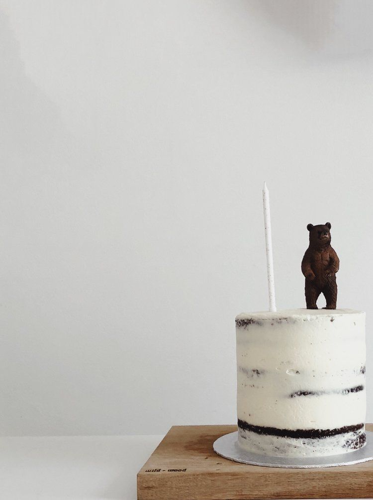 A birthday: Our Story Time turns One -   10 minimal cake Simple ideas