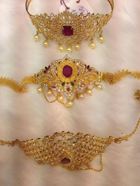 30 to 45 Grams Gold Armlets Designs