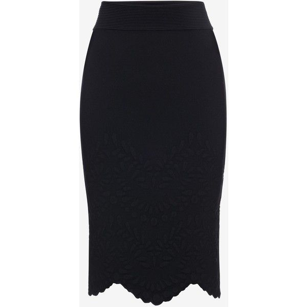 Alexander McQueen Knitted Pencil Skirt (14.915 ARS) ❤ liked on Polyvore featuring skirts, bottoms, black, fitted pencil skirt, pencil skirt, alexander mcqueen skirt, knee length pencil skirt and jacquard skirt