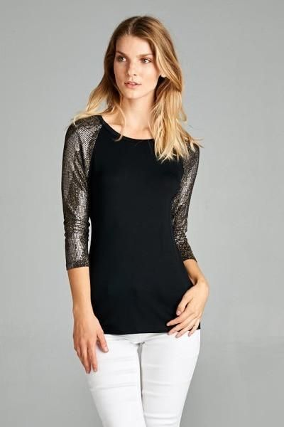 3/4 Detailed Sleeve Top RockerBelles Rocker Chic Boutique