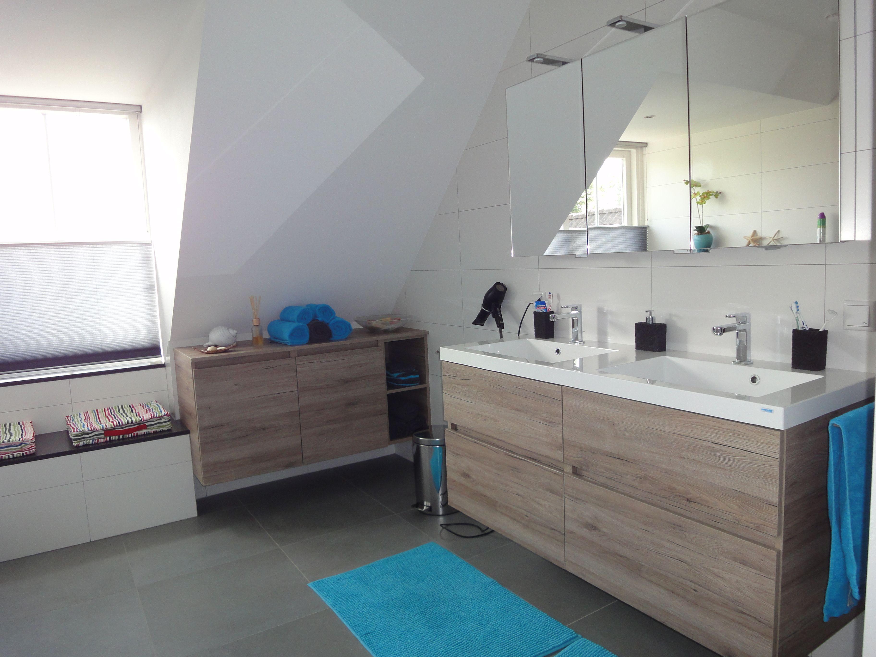 Badkamer Renovatie Deurne : Gerealiseerde sfeervolle badkamer in bakel waarbij de wasmanden in