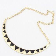 Livraison gratuite de haute qualité accessoires de mode triangle d'huile collier de mode court paragraphe triangle N13(China (Mainland))