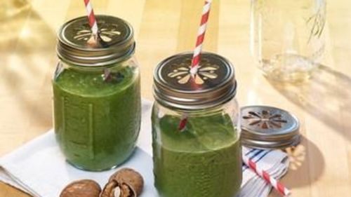 Creamy Green Walnut Shake