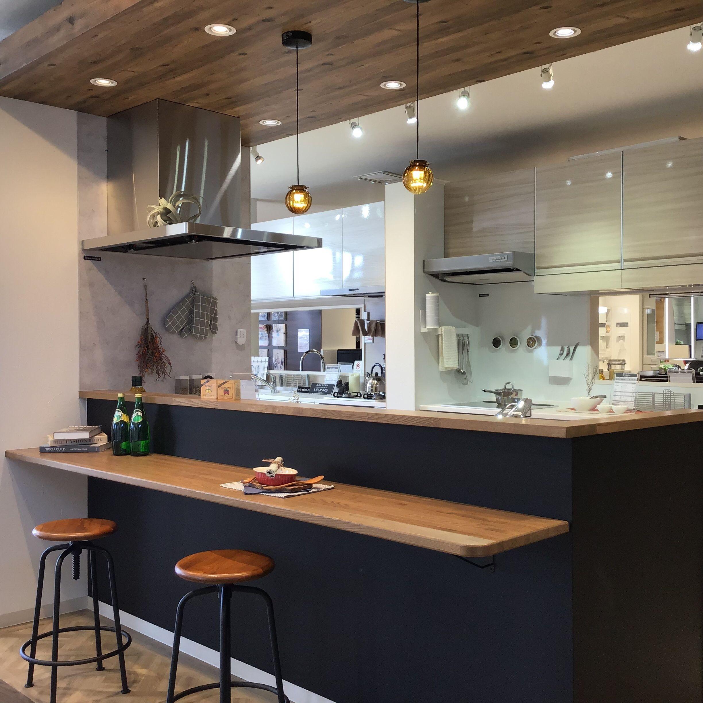 キッチン リフィット I型 ペニンシュラ型 対面式 レイアウトの設置イメージ 甲府ショールーム タカラスタンダード 2020 リビング キッチン キッチンカウンター おしゃれ カウンターキッチン レイアウト