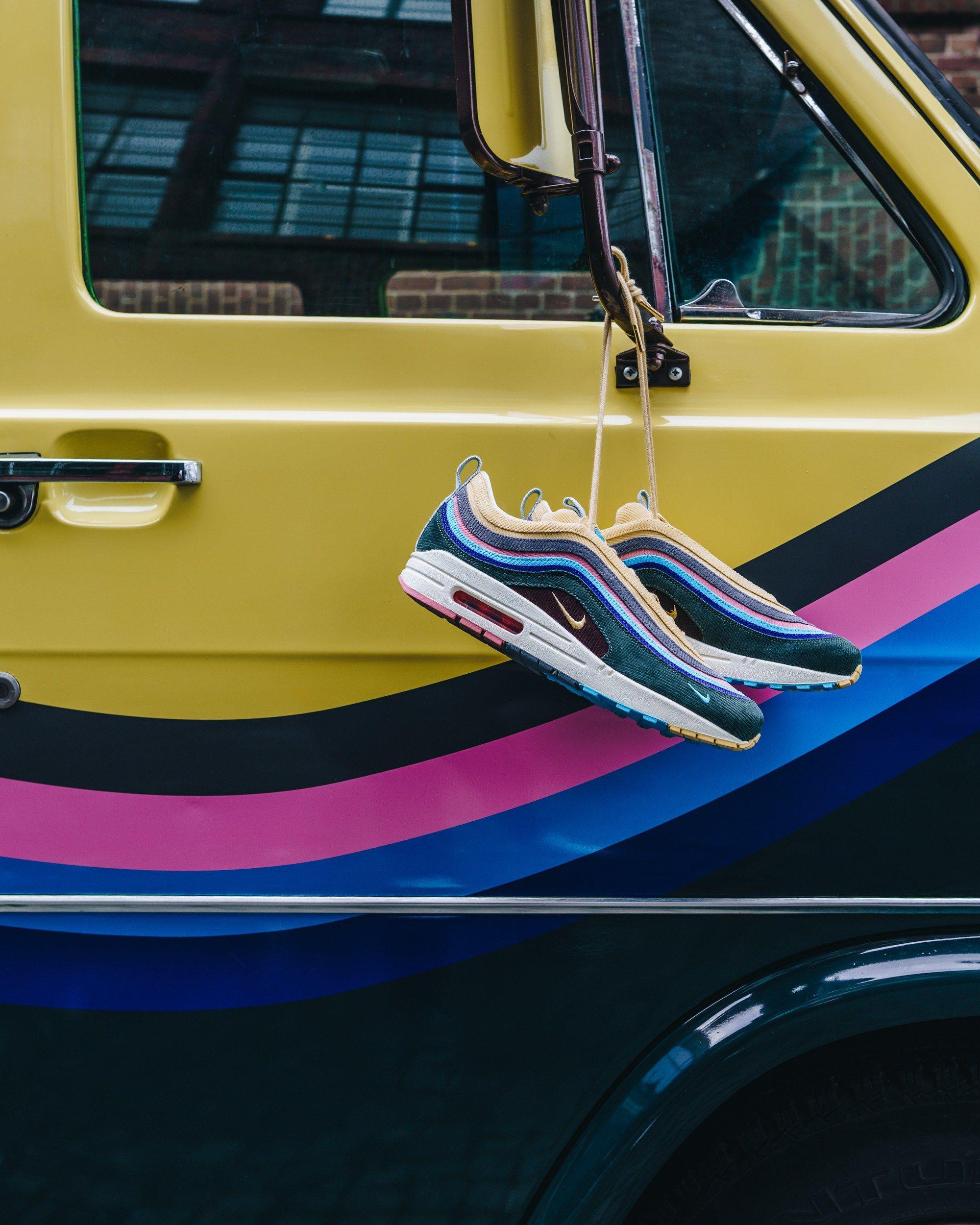 huge selection of 76a27 8c496 Sneaker Shop on Wheels: solebox