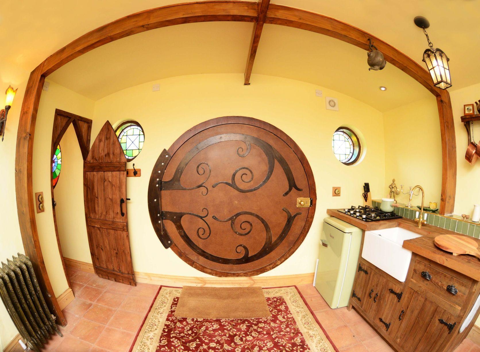Hobbit house interior, Yorkshire