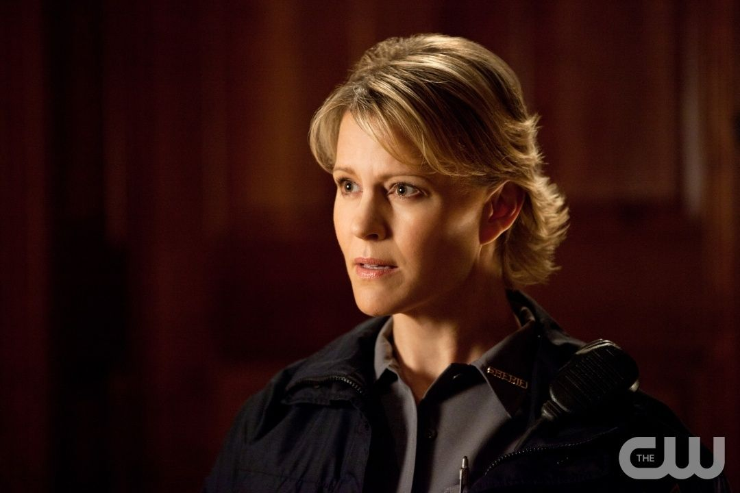 """""""Our Town""""--Marguerite MacIntyre as Sheriff Forbes on THE VAMPIRE DIARIES on The CW. Photo: Bob Mahoney/The CW ©2011 The CW Network. All Rights Reserved."""