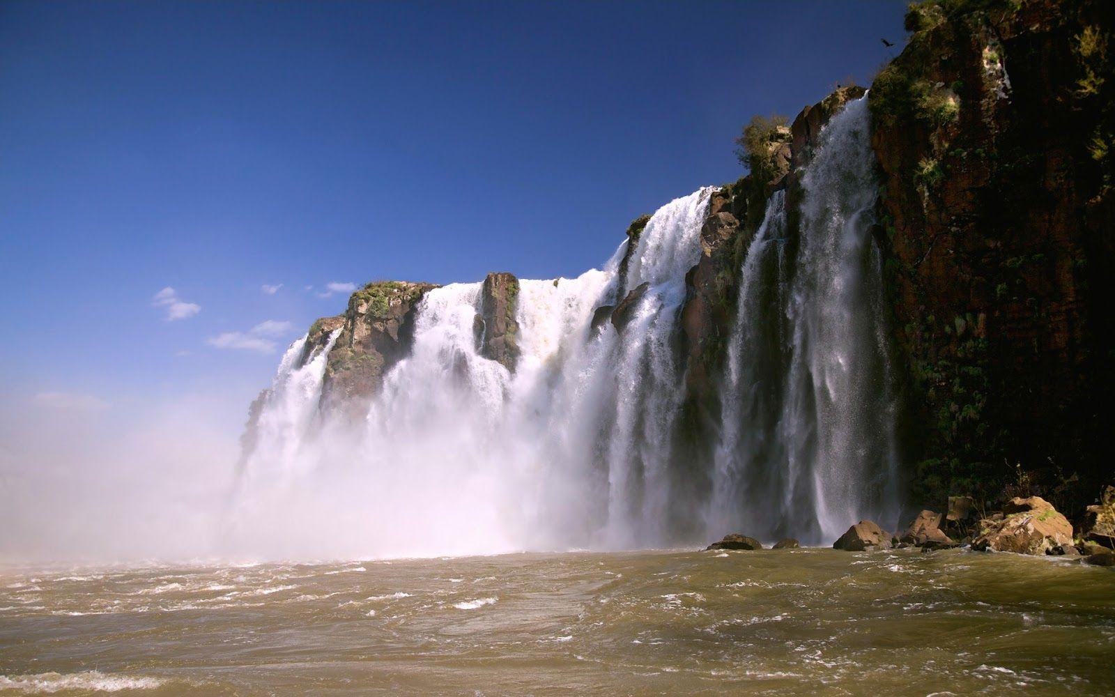 Pics Mountian Water Falls