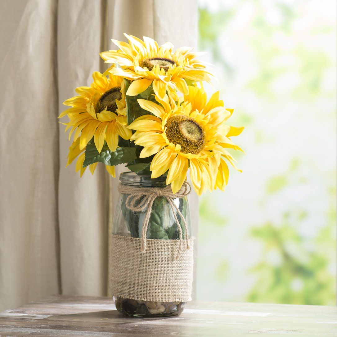 Sunflowers In A Vase With River Rocks And Faux Water Sunflower Centerpieces Flower Vases Water Centerpieces