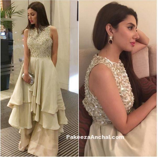 Pakistani Actress Mahira Khan in Designer Gown by Manish Malhotra ...
