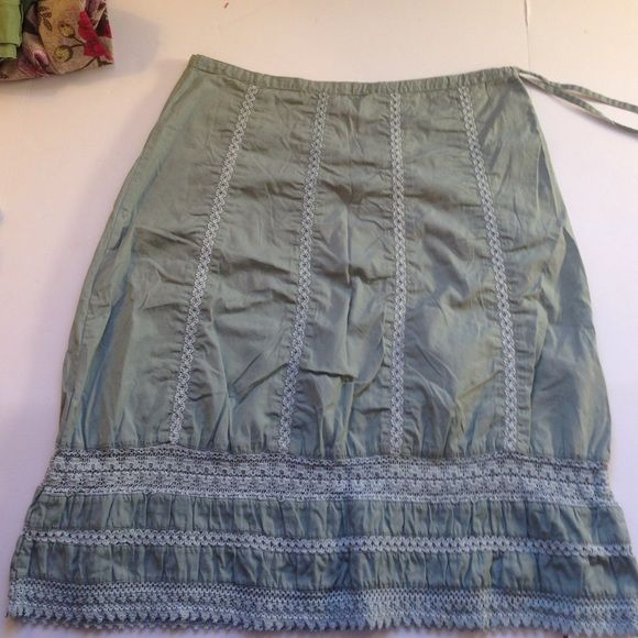 "PRANA COTTON CROCHET SKIRT Beautiful cotton and crochet skirt, size S. 30"" waist w/ drawstring, 24"" length. 30% off bundles. prAna Skirts"