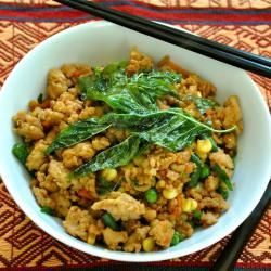 Stir-fried Chicken with Basil (With images) | Stir fry ...