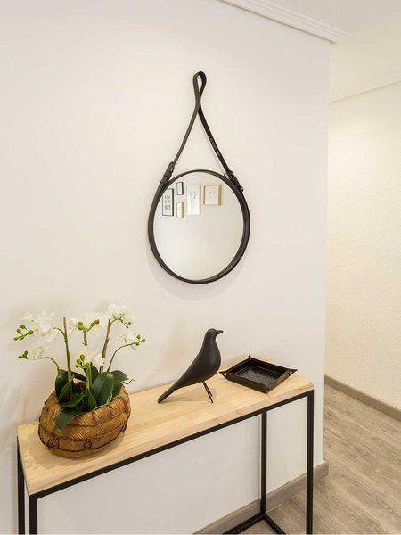 Un piso totalmente reformado y de estilo n rdico - Espejos redondos pequenos ...