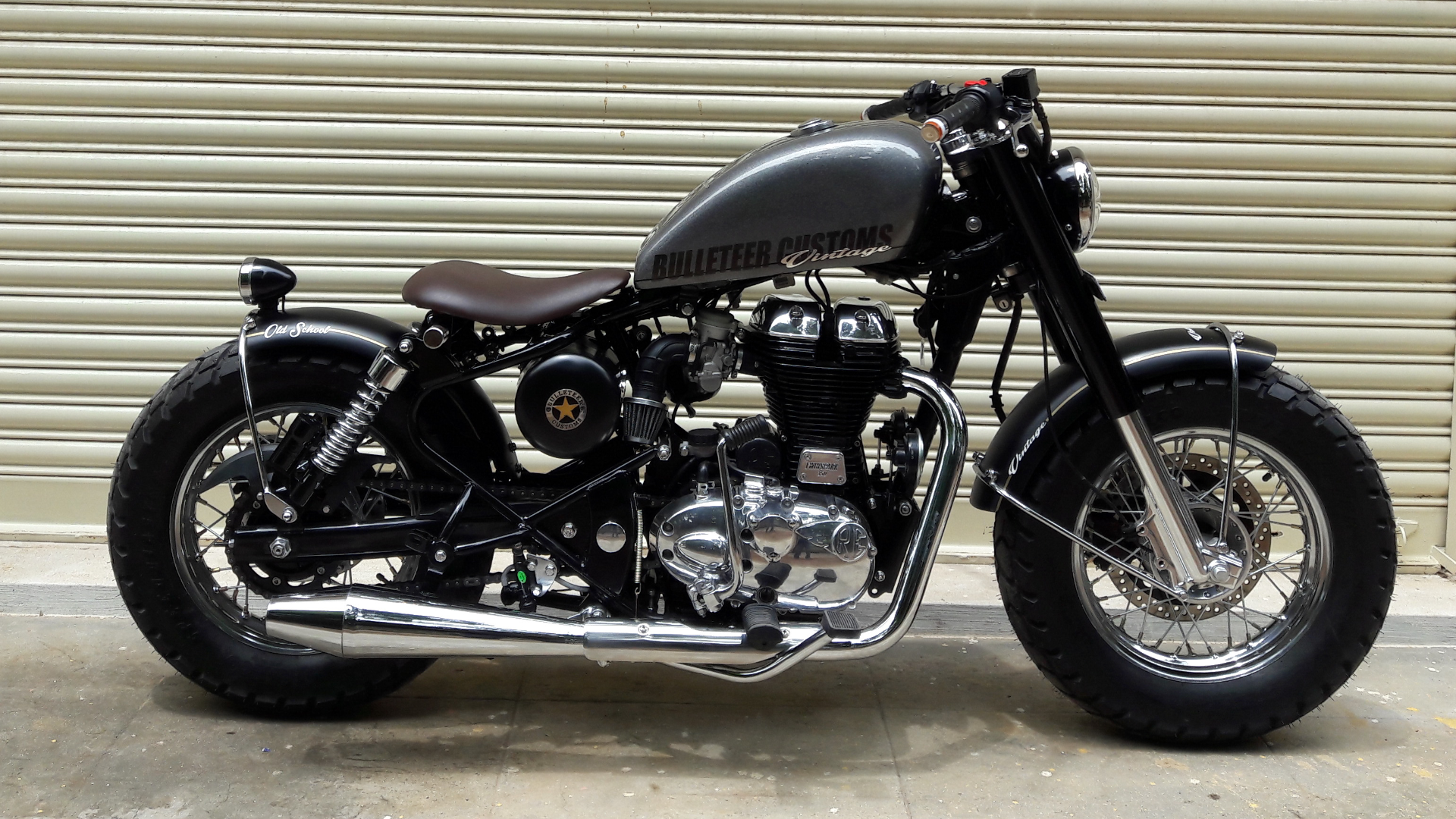 Royal Enfield 350cc Bobber By Bulleteer Customs 350cc Com Bullet Bike Royal Enfield Royal Enfield Royal Enfield Modified