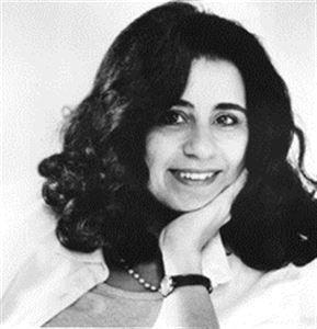 أهداف مصطفى سويف ولدت في 23 مارس 1950 هي روائية وكاتبة مقالات وناشطة سياسية مصرية تكتب باللغة الإنجليزية ولدت أهداف سويف في القاهرة وهى الابنة الكبرى Author