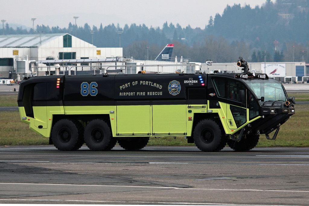 Port of Portland Striker 6x6 ARFF Vehicle (With