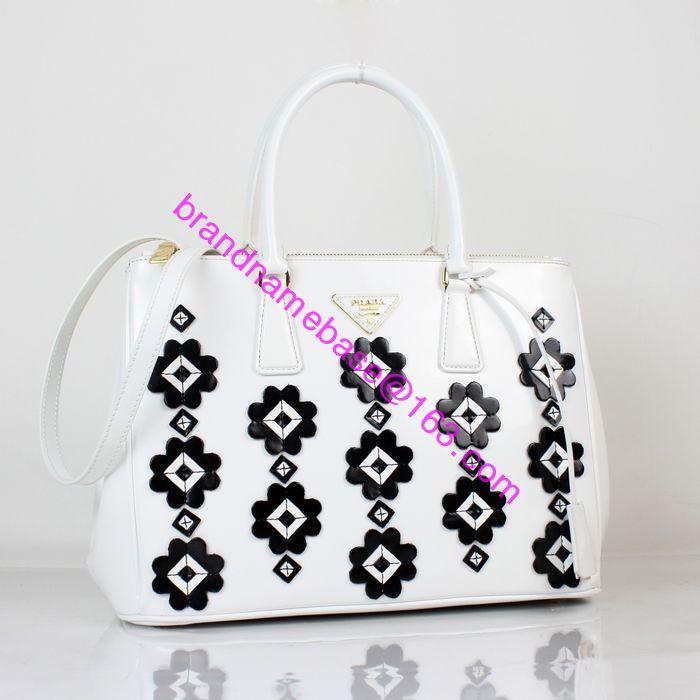 PRADA BN2274 top handle white patent calf leather tote bag handbag with  black flower. size  33cmX23cmX15cm The top best mirror quality grade 5646d4aebc2d8