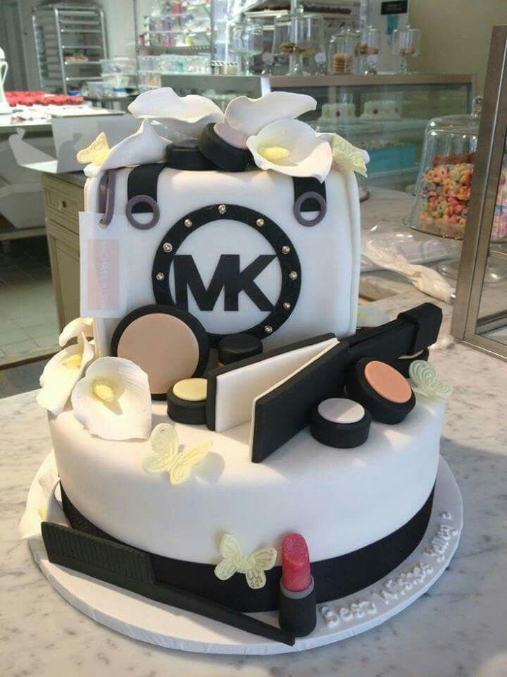 Combine with the MAC makeup cake and its perfect Party Ideas