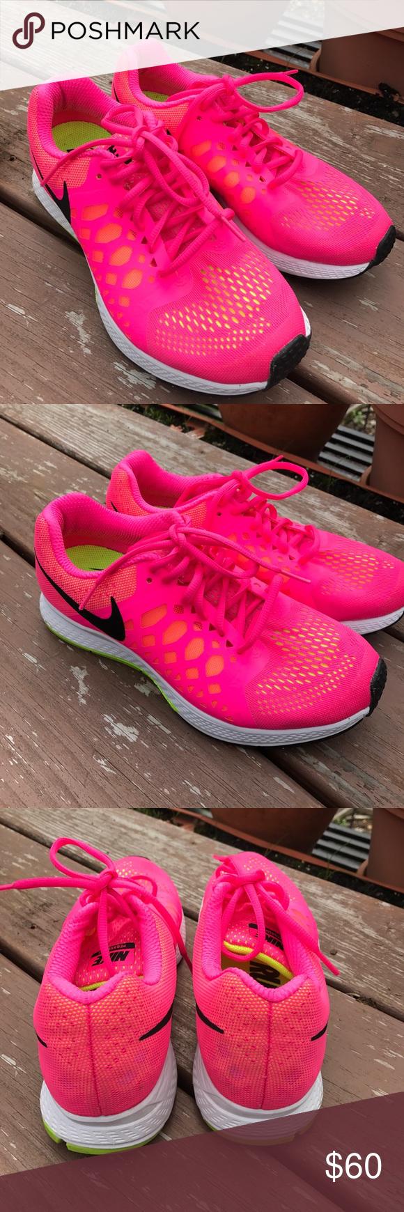 Nike zoom air Pegasus 31 running shoe NWOB. Never worn. Hot pink with black