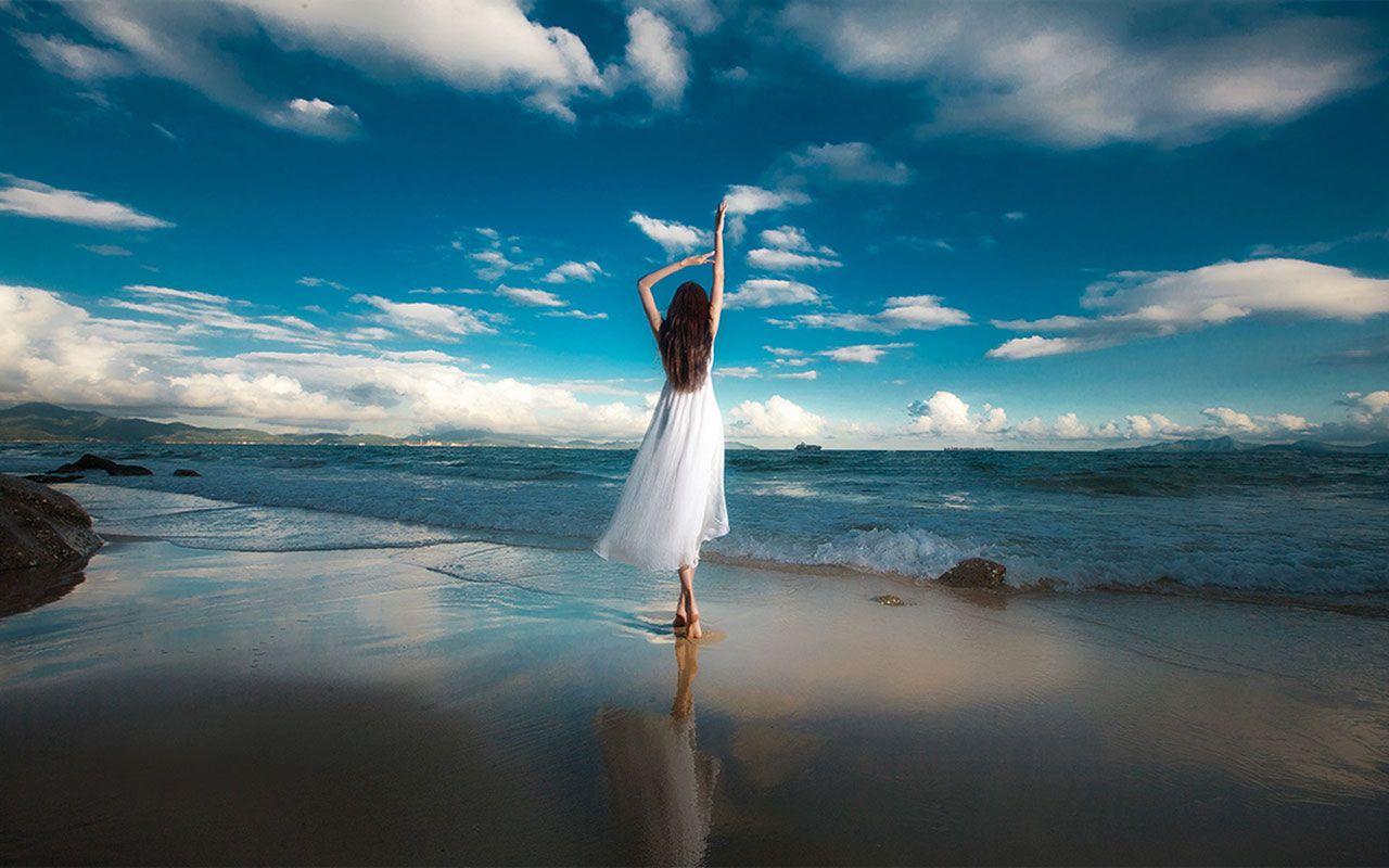 Romantic Ipad Wallpaper: Romantic Seaside Girls Photography Desktop Wallpaper 12