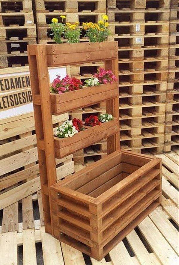 Jardines verticales hechos con palets de madera huerto - Decorar paredes con palets ...