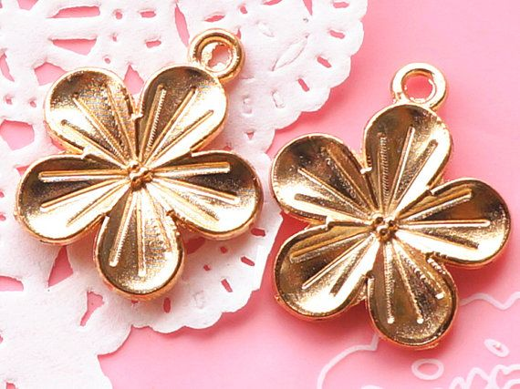 2 Pcs Golden Flower Charms Metal Accessory Charm Pendant Jewelry Finding Making Bracelet Necklace #A2144