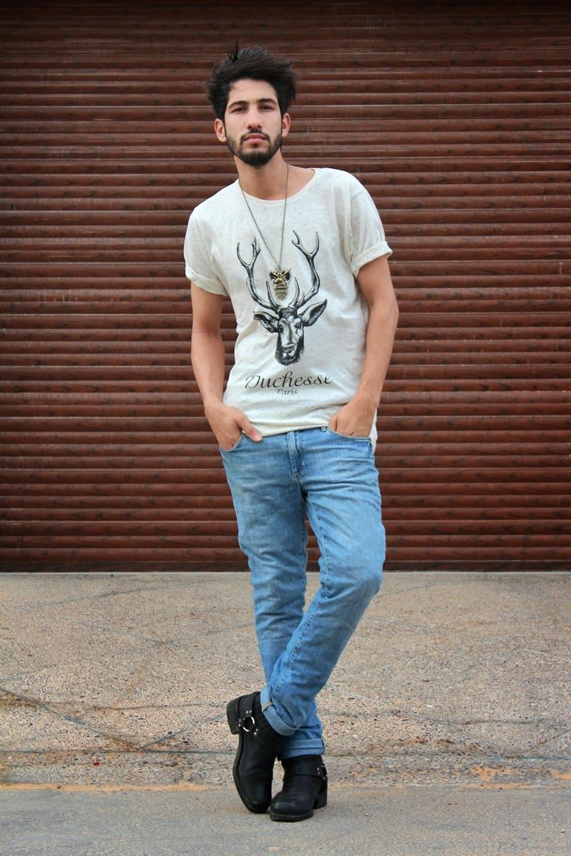 Black t shirt light blue jeans - Men S Grey Print Crew Neck T Shirt Blue Jeans Black Leather Boots