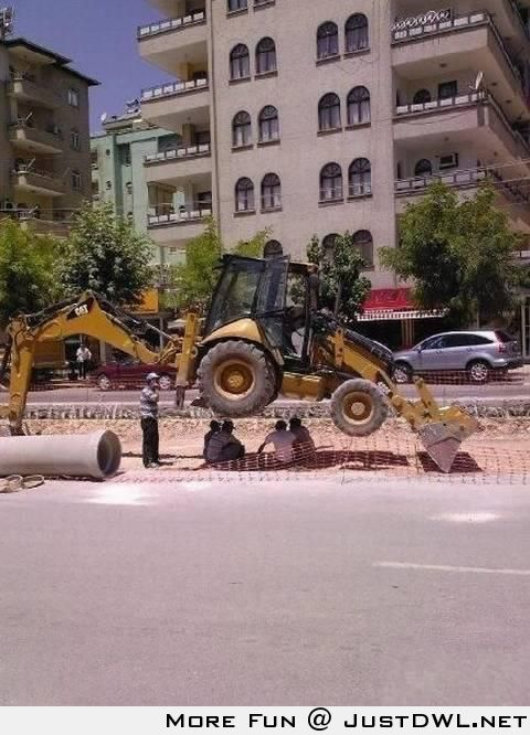 """Trust Me, I'm an """"Engineer"""" - Sheltering from the sun Like a Boss"""