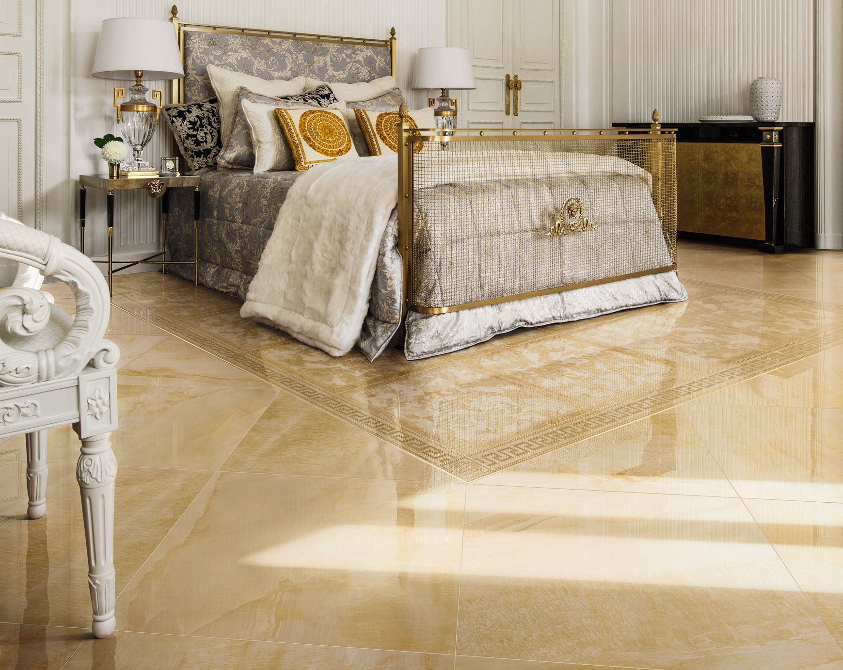 Mobili Versace ~ Or gold carrelage marble grandformat xxl versace bed