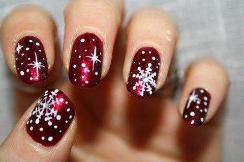 Des ongles aux couleurs de Noël \u2026
