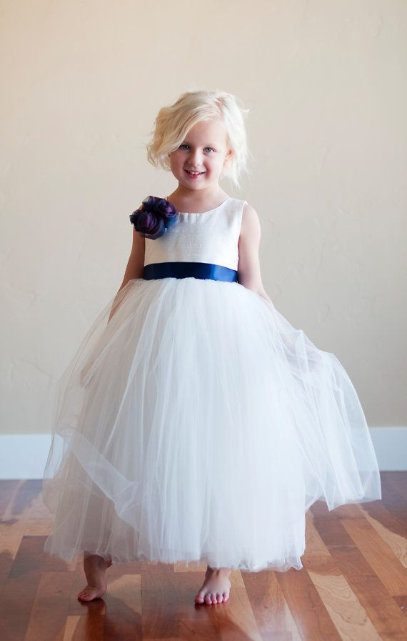 1000  images about Flowergirl dresses on Pinterest - Ivory flower ...