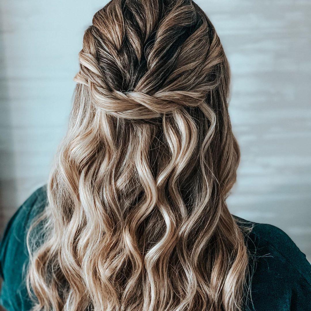 Beachy waves 🌊 #hair #wedding #bride #floridawedding #floridabride #updo #hairstyle #bridalstyle ...