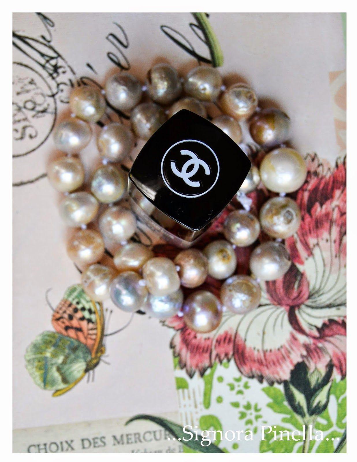 ...Die wundervolle Welt der Signora Pinella...: Einmal mehr Perlenliebe, eine Anleitung zum Knüpfen und ein neuer Nagellack…