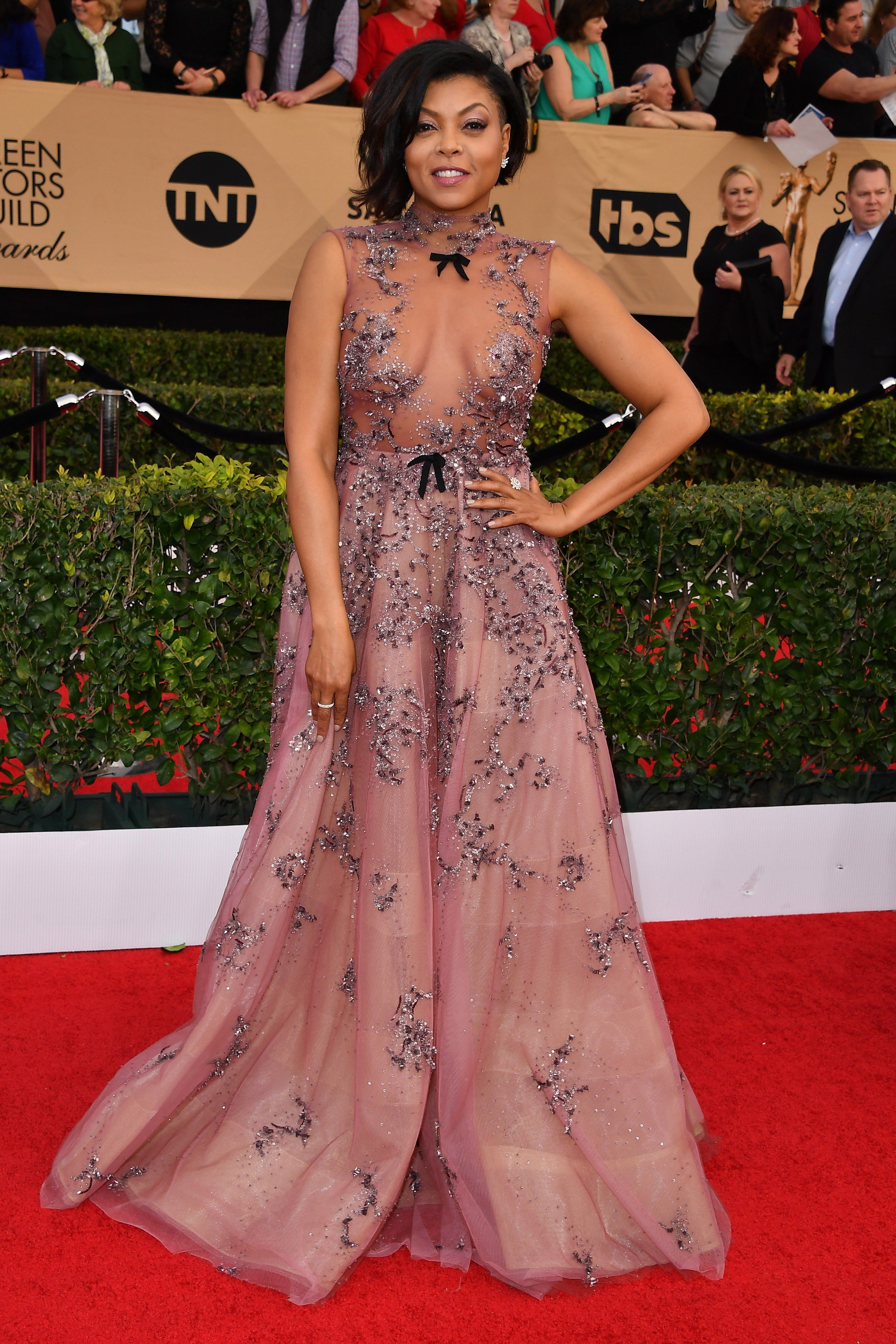 Porm celebrity hairstyles - 7 Celebs Who Slayed In Invisible Dresses At The Sag Awards