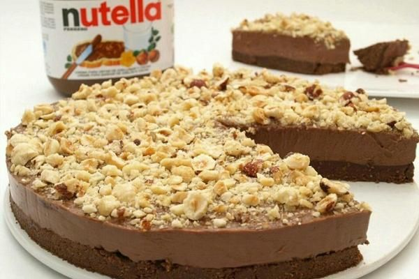 تشيز كيك النوتيلا Nutella Cheesecake Bakery Desserts Sweet Recipes Cheesecake Recipes
